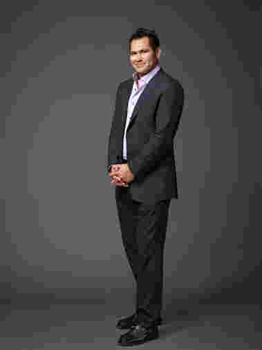 Johnny Damon strikes a pose as cast for Celebrity Apprentice Season 14, 2015.