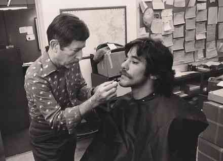 Geraldo gets prepped to go undercover for an investigation into the availability of drugs