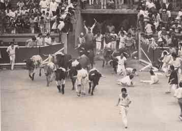 Geraldo runs with the bulls