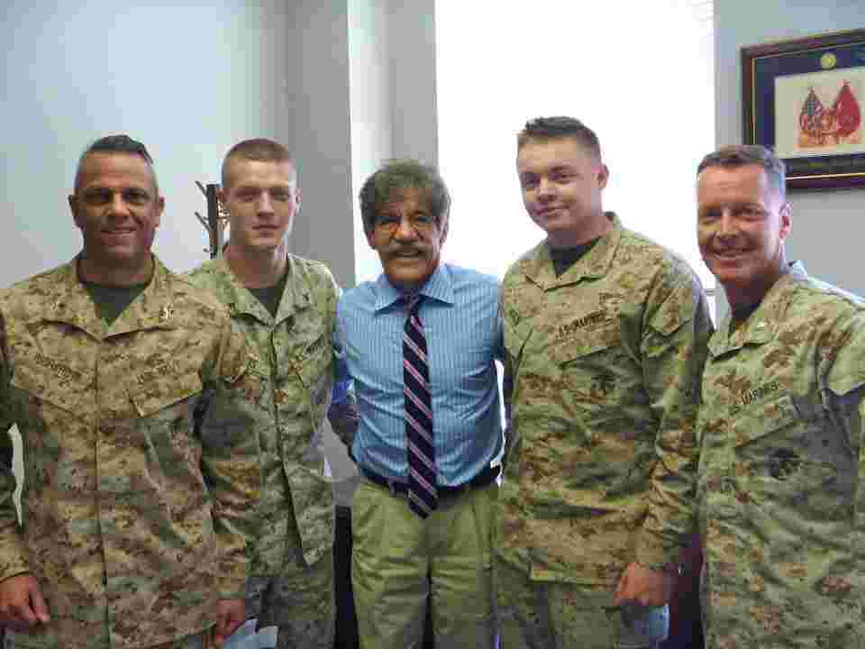 Geraldo with the troops