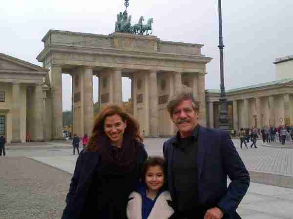 Geraldo and wife Erica with their daughter Sol