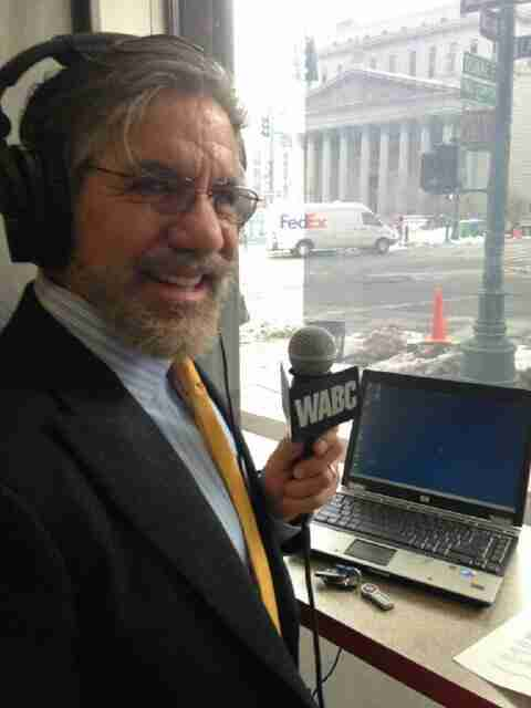 Geraldo broadcasts his 77 WABC radio show live from downtown NYC, near the District Courthouse