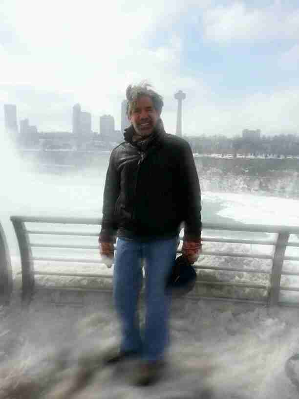 Geraldo in a fuzzy photo while touring Niagara Falls, New York USA, circa 2014.
