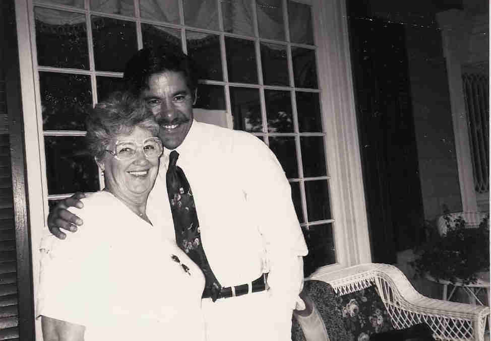 Black and white photo of Geraldo and his mother, Lillian Rivera.