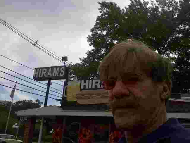 Geraldo stops in for a dog at Hirams