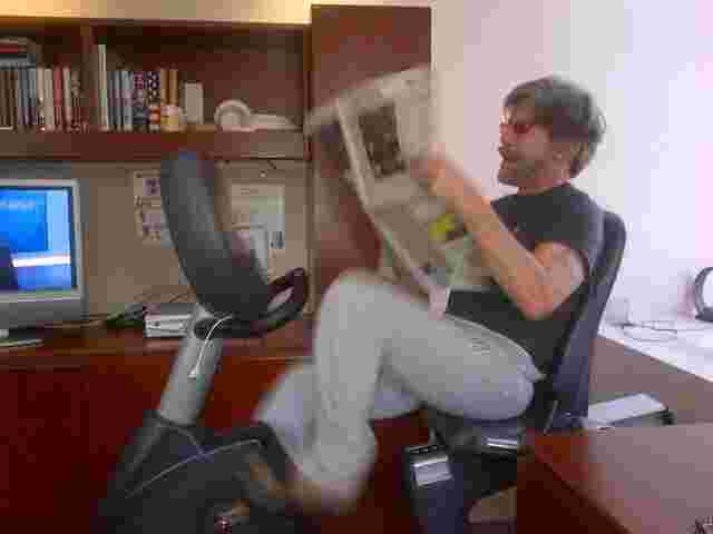 Geraldo gets his exercise in during breaks, 77 WABC radio studio.