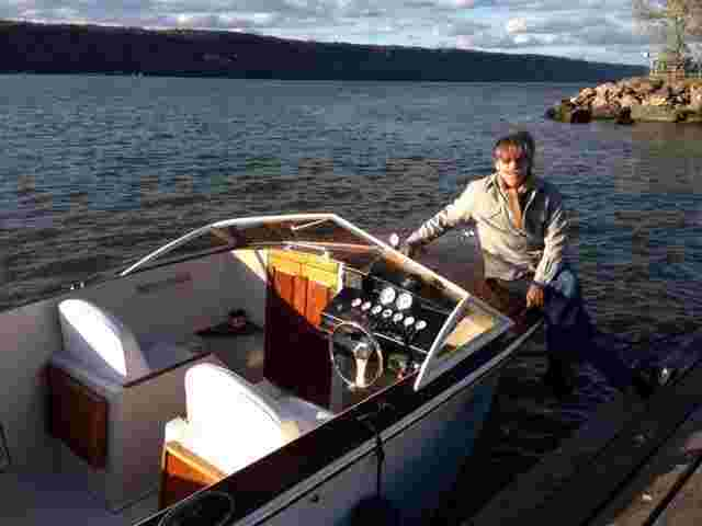 Geraldo with brother Craig Rivera's boat on the Hudson river.