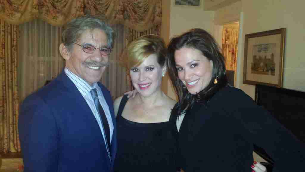 Geraldo and wife Erica share a moment with Molly Ringwald.